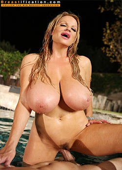 Kelly madison pissing